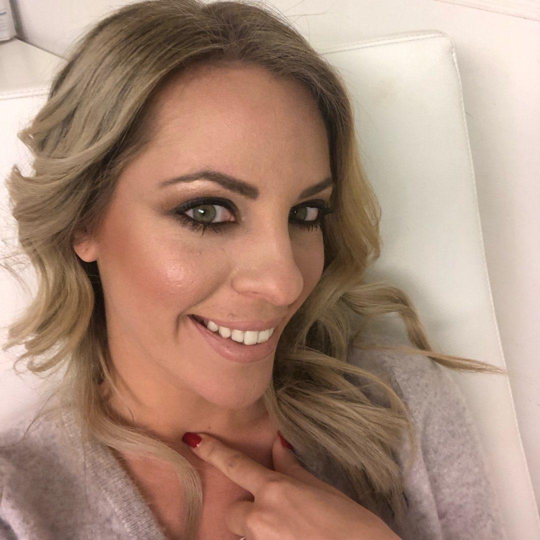 Dr Andriana Delaka